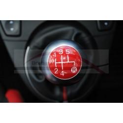 Fiat 500 S/ GT, het betreft hier het rode plaatje van de pookknop