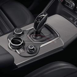 Alfa Romeo Stelvio automaat, cover voor de pookknop carbon