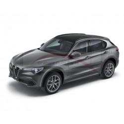 Alfa Romeo Stelvio met panoramadak dakrails glossy zwart