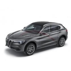 Alfa Romeo Stelvio met panoramadak dakrails aluminium