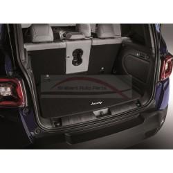 Jeep Renegade mat voor bagageruimte met Jeep logo